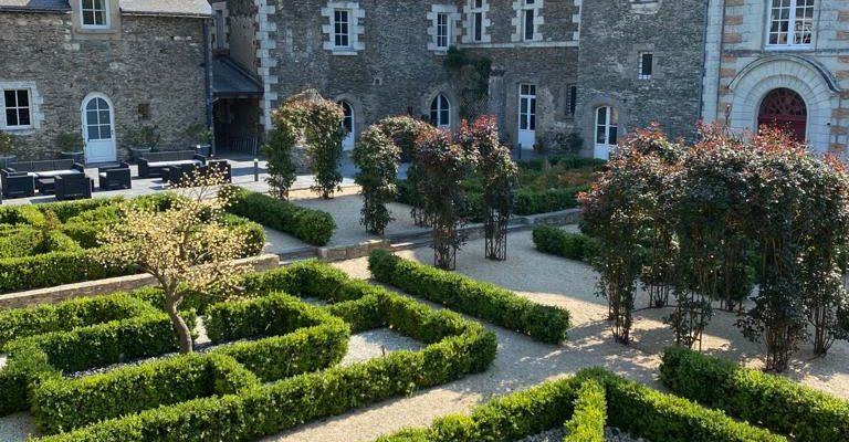 Chateau de l'Epinay jardin francais